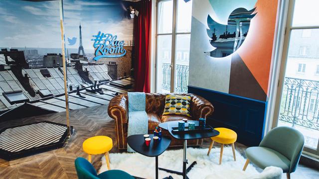 Twitter a imaginé un boudoir connecté pour recevoir des personnalités à Paris.