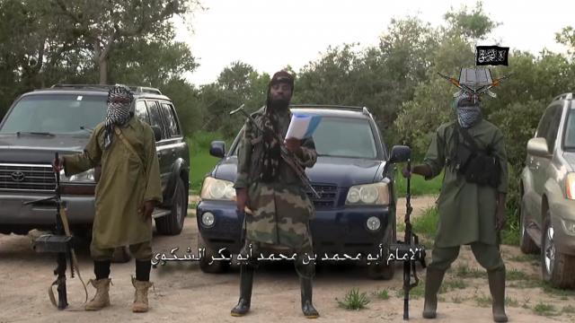 Capture d'écran du 24 août 2014, prise à partir d'une vidéo fournie par Boko Haram à l'AFP et qui montre le responsable du mouvement extrémiste Abubakar Shekau