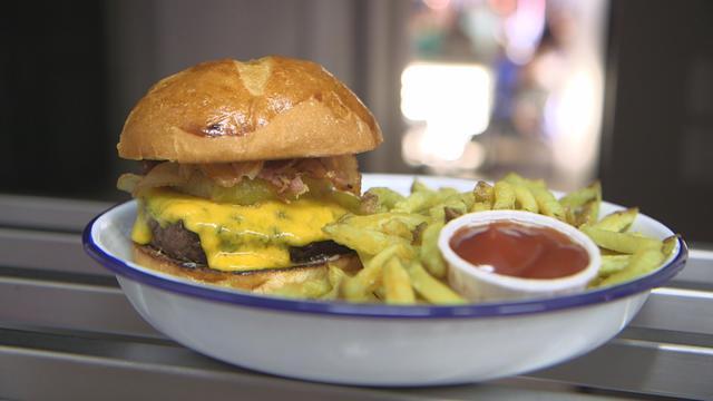 Hamburger en veux-tu, en voilà