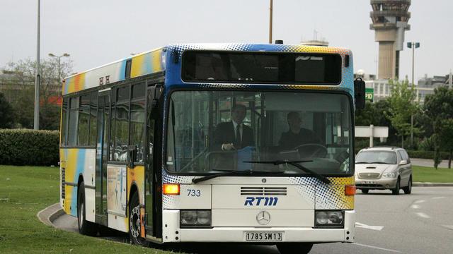 A Marseille, une ligne de bus est réservée à une poignée de privilégiés.