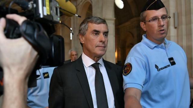 L'ancien ministre Jérôme Cahuzac (c) arrive au Palais de justice de Paris le 5 septembre 2016  [PHILIPPE LOPEZ / AFP/Archives]