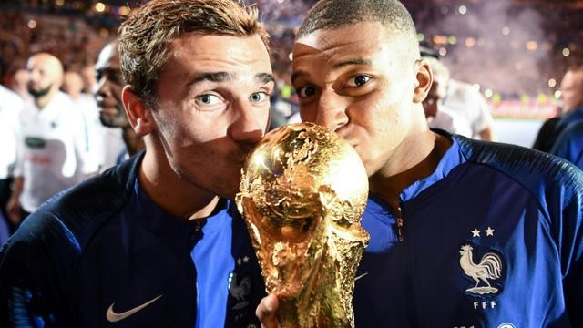 Antoine Griezmann (g) et Kylian Mbappé, le 11 septembre 2018 au Stade de France de Saint-Denis [FRANCK FIFE / AFP/Archives]