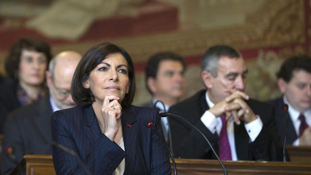 La maire de Paris Anne Hidalgo est accusée par l'UMP et UDI-MoDem de ne pas dire la vérité sur les perspectives budgétaires  [Joel Saget / AFP/Archives]