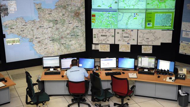 La salle opérationnelle du Centre Régional d'Information et de Coordination Routières (CRICR) de l'Ouest [Damien Meyer / AFP/Archives]