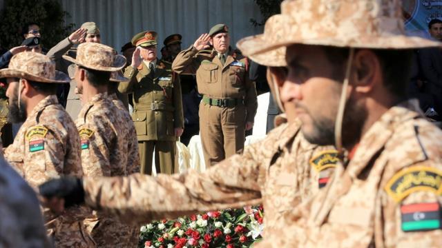 Défilé de soldats lybien à Tripoli, le 24 décembre 2015  [Mahmud Turkia / AFP/Archives]