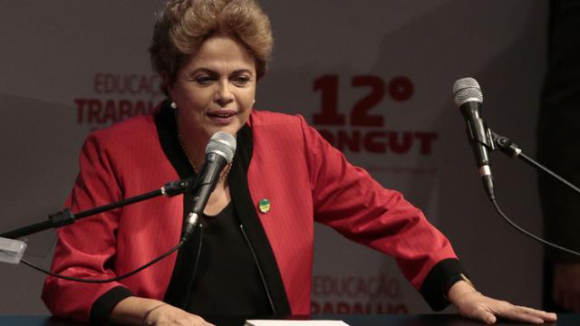 La présidente brésilienne Dilma Rousseff à Sao Paulo, au Brésil, le 13 octobre 2015 [Miguel Schincariol / AFP]