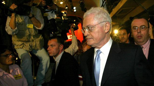 """Lionel le 21 avril 2002 à son """"Atelier"""" de campagne à Paris [Philippe Desmazes / AFP/Archives]"""