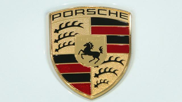 Rappel d'environ 22.000 véhicules de marque Porsche après la découverte d'un système permettant de minimiser le niveau de leurs émissions polluantes [Daniel ROLAND / AFP/Archives]