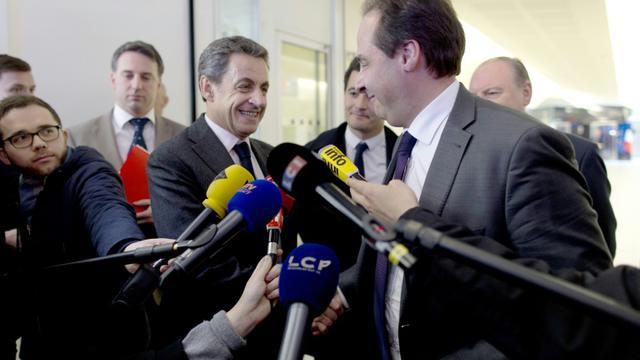 Les présidents de l'UDI Jean-Christophe Lagarde (2e à d) et de l'UMP Nicolas Sarkozy (4e à g) à Paris le 30 mars 2015 [Kenzo Tribouillard / AFP/Archives]
