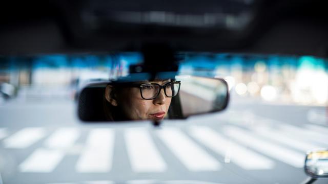 Kazuyo Saito, chauffeuse de taxi qui ne travaille plus de nuit pour éviter les agressions, le 17 novembre 2017 à Tokyo [Behrouz MEHRI / AFP]