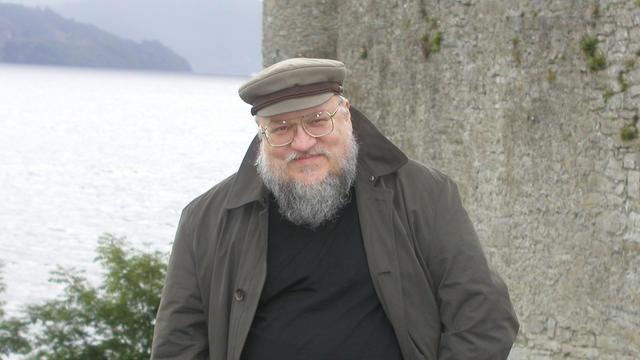 """George R. R. Martin, auteur de la saga """"Game of Thrones"""" sort le recueil de nouvelles """"Chroniques du chevalier errant""""."""