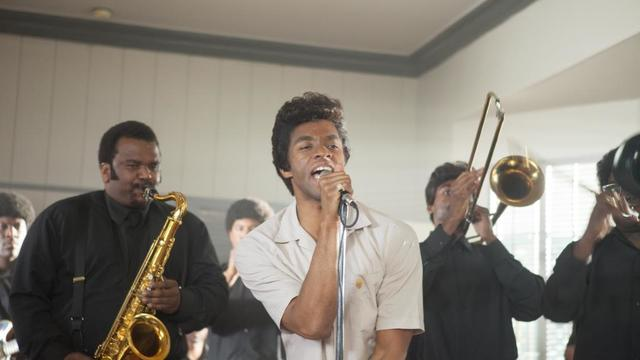 "Chadwick Boseman incarne James Brown dans ""Get On Up""."
