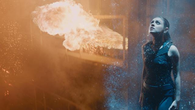 """Mila Kunis incarne Jupiter Jones dans le nouveau film des créateurs de """"Matrix"""", """"Jupiter : le destin de l'Univers""""."""