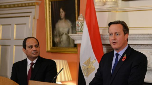 Le président égyptien Abdel Fattah al-Sissi et le Premier ministre britannique David Cameron lors d'une conférence de presse commune le 5 novembre 2015 à Londres [STEFAN ROUSSEAU / POOL/AFP]