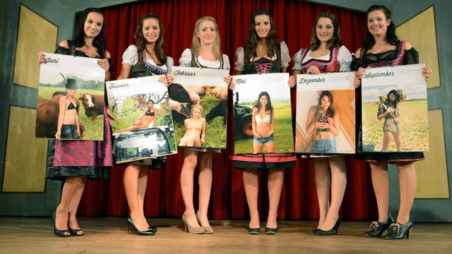 Six des douze modèles du Bauernkalender 2013