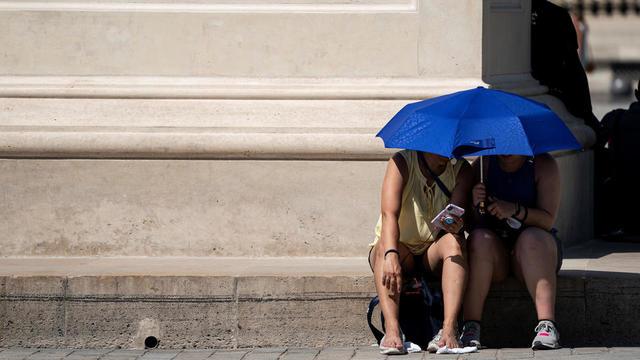 Les Français s'apprêtent à affronter des températures extrêmes, qui pourraient dépasser les 40 °C.