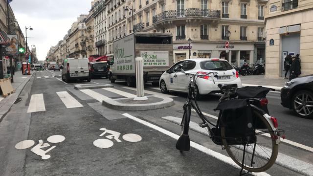 Paris Une Nouvelle Piste Cyclable A Decouvrir Dans Le Marais Cnews