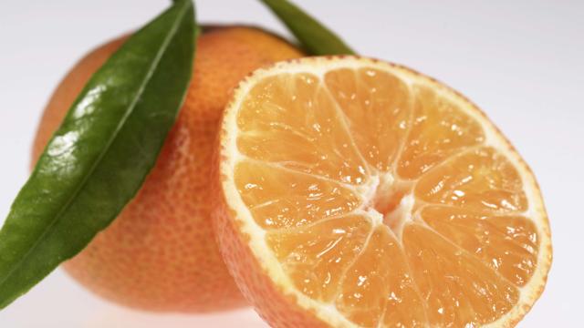 Attention à ne pas confondre la clémentine et la mandarine, qui n'ont rien à voir l'une avec l'autre.