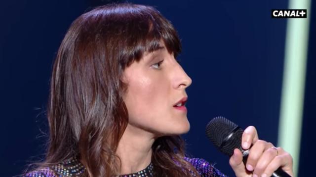 Sur la scène de Cannes, Juliette Armanet avait interprété «Les Moulins de mon coeur»