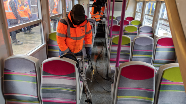 Un budget de 70 millions d'euros par an et de 1,5 million d'euros supplémentaires depuis décembre est dédié à la propreté du réseau SNCF Transilien.