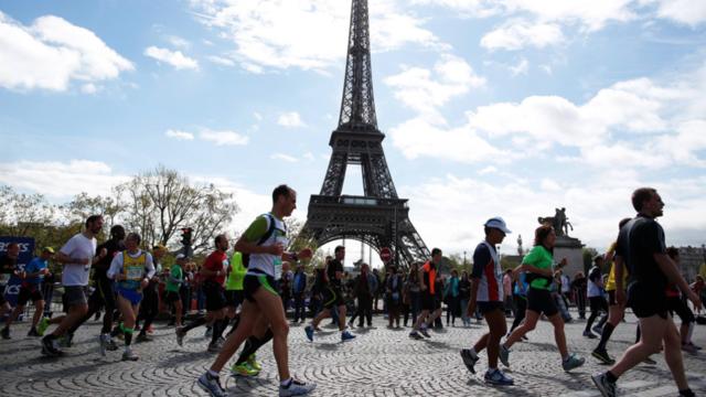 Plus de 60.000 personnes sont attendues au départ du Marathon de Paris.