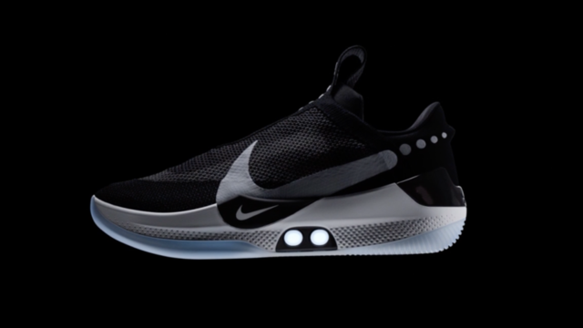 Dis Siri, fais mes lacets» : Nike dévoile des baskets