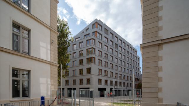 Au total, 582 logements locatifs ont été construits dans cette caserne.