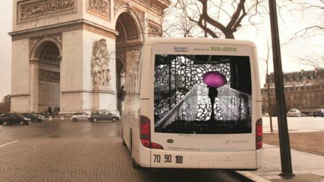 Environ 25 cars AIr France sont transformés en espaces d'exposition ambulants.