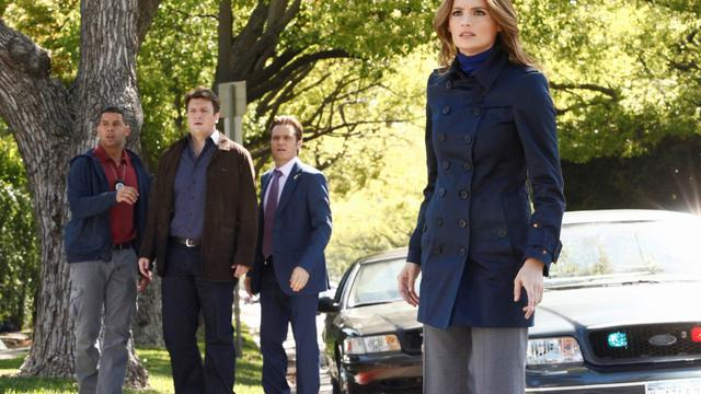 Stana Katic (Beckett), Jon Huertas (Esposito), Nathan Fillion (Castle), Seamus Dever (Ryan)