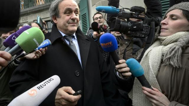 Michel Platini interviewé devant le siège du TAS, le 8 décembre 205 à Lausanne  [FABRICE COFFRINI / AFP/Archives]