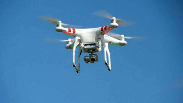 Un nouveau drone a survolé Paris dans la nuit de lundi à mardi.