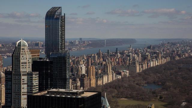 L'appartement est situé au 220 Central Park South à New York.