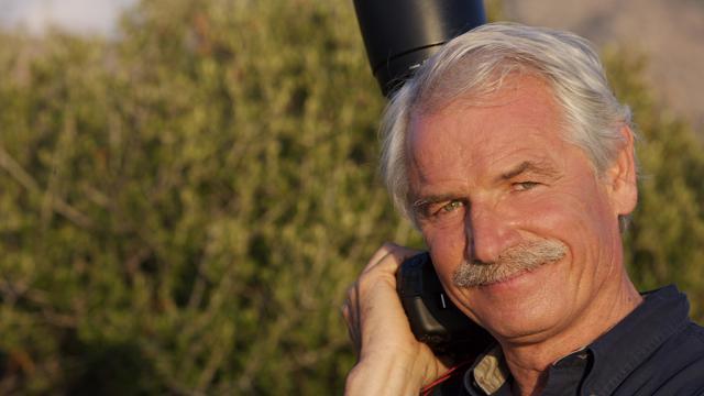 """Yann Arthus-Bertrand et ses équipes ont parcouru 75 pays et recueilli 2 020 témoignages pour les besoins du film """"Human""""."""