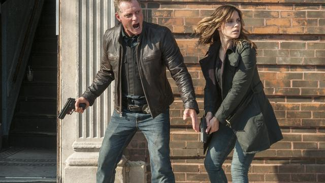 Chicago Police Department avec Jason Beghe et Sophia Bush
