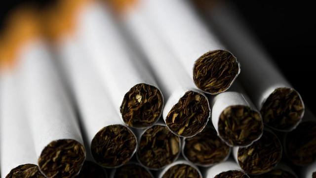 La cigarette est «plus mortelle, plus dangereuse et plus addictive que n'importe quel médicament sur ordonnance», selon le défenseur de la mesure.