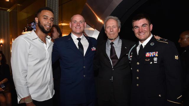 Le 4 juin 2016, Clint Eastwood avait remis aux trois héros américains le Hero Award lors des Guys Choice 2016