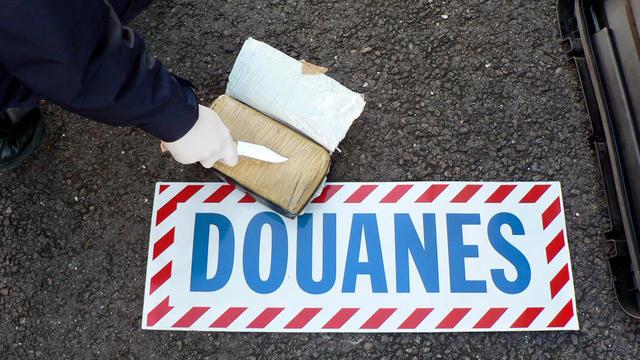 Un pain de cocaïne saisi par la douane française (photo d'illustration).