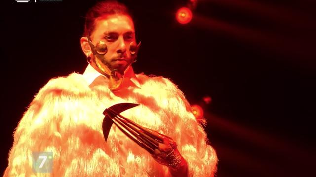 Conan Osíris, de son vrai nom Tiago Miranda, ne ressemble à aucun autre artiste et revendique un style atypique.