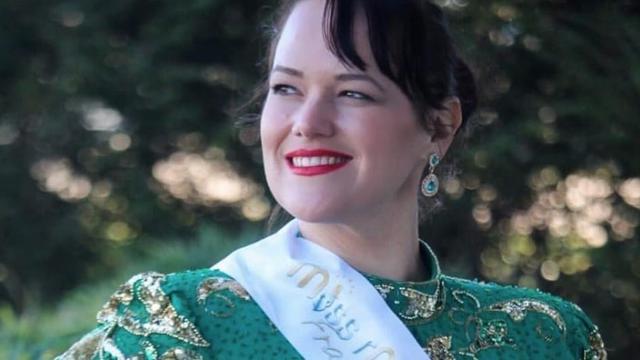 Eugénie fait partie des douze candidates à la finale du concours Miss Ronde Île-de-France, qui aura lieu le 1er juin 2019.