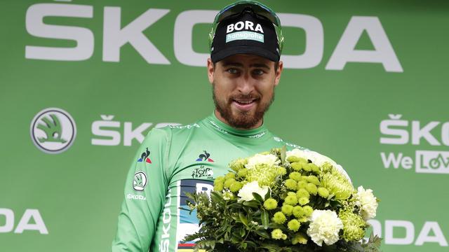 Peter Sagan est toujours porteur du maillot vert devant Elia Viviani.