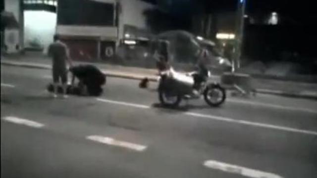 Le chauffard s'est enfui avec le bras de sa victime