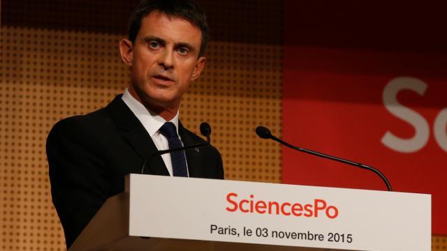 Le Premier ministre Manuel Valls lors d'une rencontre avec des étudiants de Sciences Po, à Paris le 3 novembre 2015 [THOMAS SAMSON / AFP/Archives]