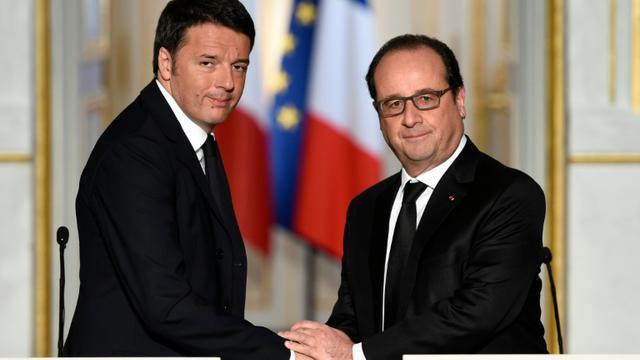 Matteo Renzi et François Hollande à l'Elysée le 26 novembre 2015 [MIGUEL MEDINA / AFP]