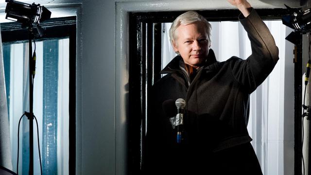 Julian Assange, le 20 décembre 2012 depuis l'ambassade d'Equateur à Londres [Leon Neal / AFP/Archives]