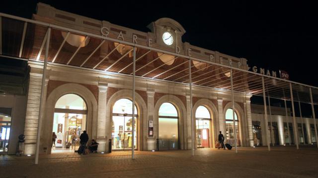 La gare de Perpignan, le 16 décembre 2014, alors qiue doit s'ouvrir le 5 mars le procès Jacques Rançon jugé pour avoir violé, tué et mutilé deux femmes, laissé pour mortes et tenté de violer deux autres victimes en 1997 et 1998 [RAYMOND ROIG / AFP/Archives]
