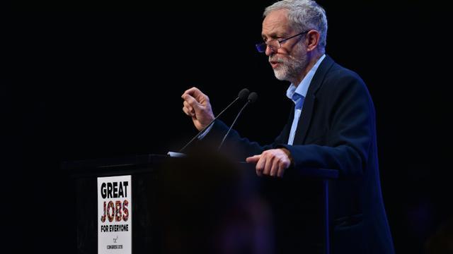 Le nouveau leader radical du Labour, Jeremy Corbyn, au congrès de la confédération syndicale britannique TUC à Brighton, le 15 septembre 2015 [BEN STANSALL / AFP]