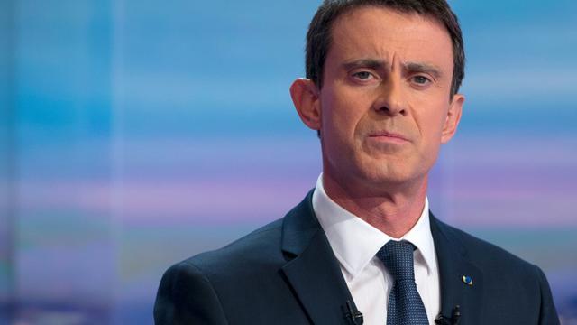 Le Premier ministre Manuel Valls sur le plateau de TF1 le 7 décembre 2015 [KENZO TRIBOUILLARD / POOL/AFP]