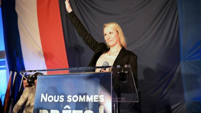 Marion Maréchal Le Pen fait un discours le 6 décembre 2015 au Pontet après l'annonce des résultats qui la place en tête avec 41% des voix en Paca [BORIS HORVAT / AFP]