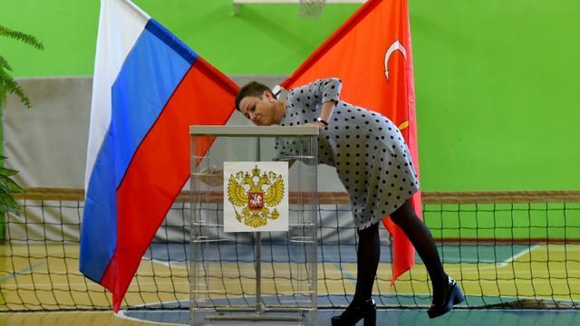 Préparatifs dans un bureau de vote de Saint-Pétersbourg, le 7 septembre 2019 [Olga MALTSEVA / AFP]