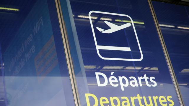 """Le trafic aérien à l'aéroport d'Orly, brièvement perturbé samedi matin en raison d'une panne informatique affectant les outils météo, a repris de """"façon totale"""" depuis 10H30 [Stephane de Sakutin / AFP/Archives]"""